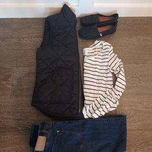 J. Crew Jackets & Coats - Quilted black J. Crew vest (size small)